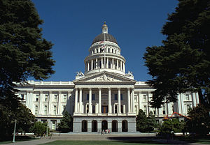 California State Capitol front 1999.jpg