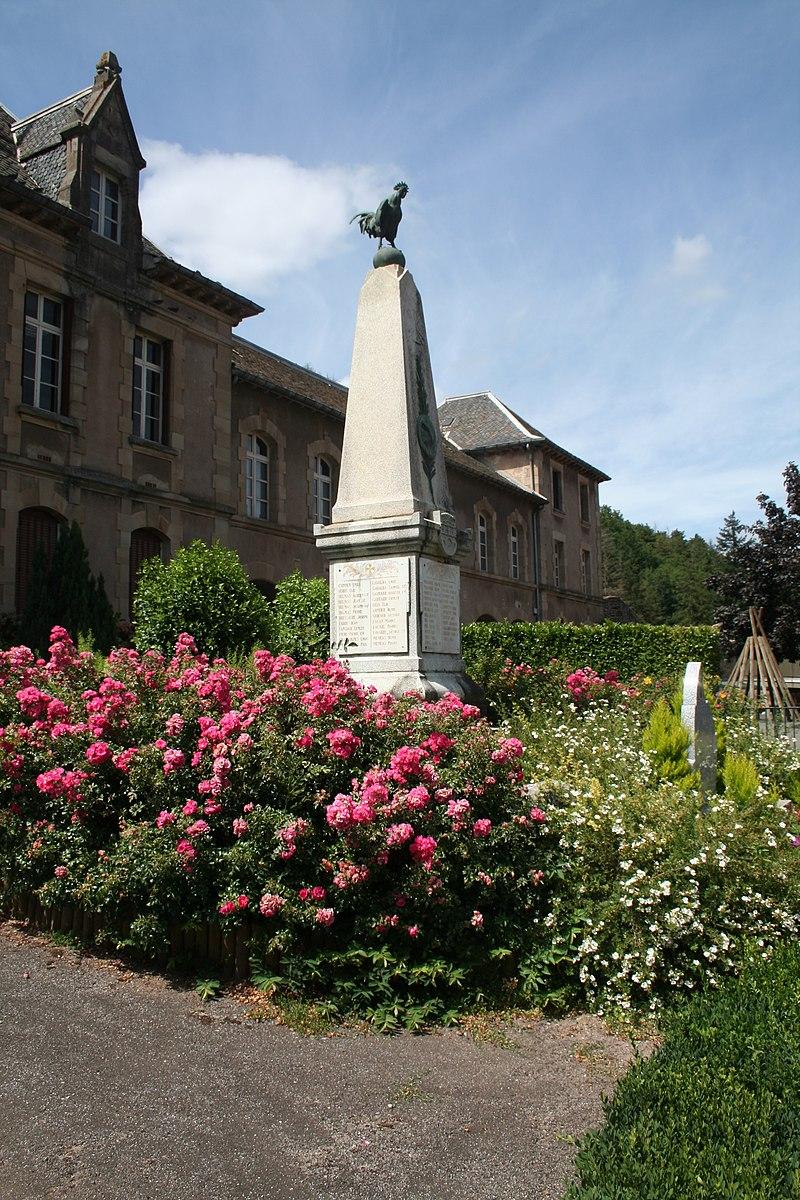 Camares monument morts.JPG