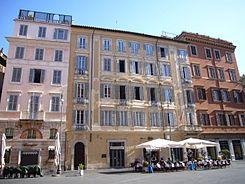 Campo Marzio - piazza s Lorenzo in Lucina 1130379.JPG