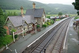 Carrog railway station in 2007.jpg