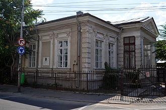 Ioan A. Bassarabescu - Temelie Dinescu and Bassarabescu's residence in Ploiești