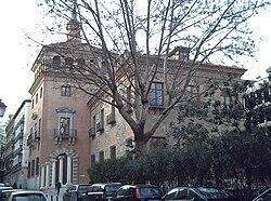 PROPUESTAS DE RULADA DE LA COMUNIDAD DE MADRID - DOMINGO 8 DE MARZO 250px-Casa_de_las_7_Chimeneas_%28Madrid%29_01