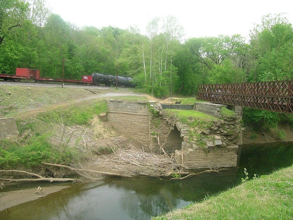 Catocin Aqueduct (21417509769)