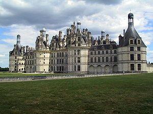 French Renaissance architecture - French Renaissance: Château de Chambord (1519-1539).
