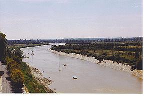 288px-Charente_%C3%A0_Tonnay.jpg