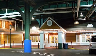 Chelsea Piers - Golf club entrance