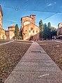 Chiesa e piazza Santo Stefano.jpg