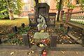 Chorzów, ul. Bożogrobców 31, Pomnik - grób zbiorowy ofiar obozów w Auschwitz i Ravensbruck, 1947.JPG