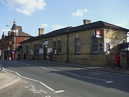 Clock House stn building.JPG