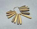 Collier de sifflets-amulettes Ngbaka-Musée royal de l'Afrique centrale.jpg