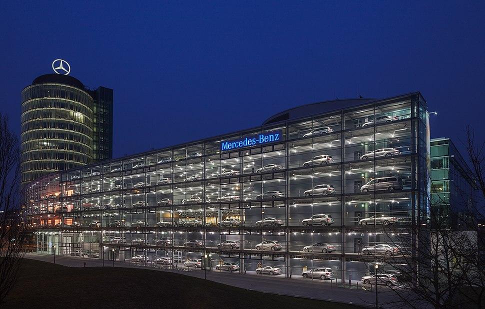 Concesionario de Mercedes-Benz, M%C3%BAnich, Alemania, 2013-03-30, DD 21