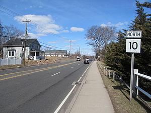 Connecticut Route 10 - Image: Connecticut Route 10 northbound, Cheshire CT