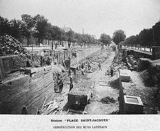 Saint-Jacques (Paris Métro) - Image: Construction de la ligne 6 Station Saint Jacques