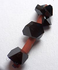 Copper(II)acetate crystal 01.jpg