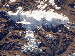 Cordillera Huayhuash - Image: Cordillera Huayhuash from space