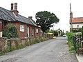Cottages in Marsh Lane - geograph.org.uk - 1403185.jpg