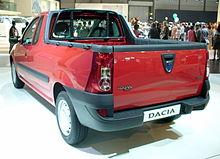 Dacia Logan Pickup rot Heck.JPG