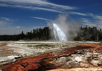 Daisy Geyser - Image: Daisy Geyser erupting in Yellowstone National Park edit