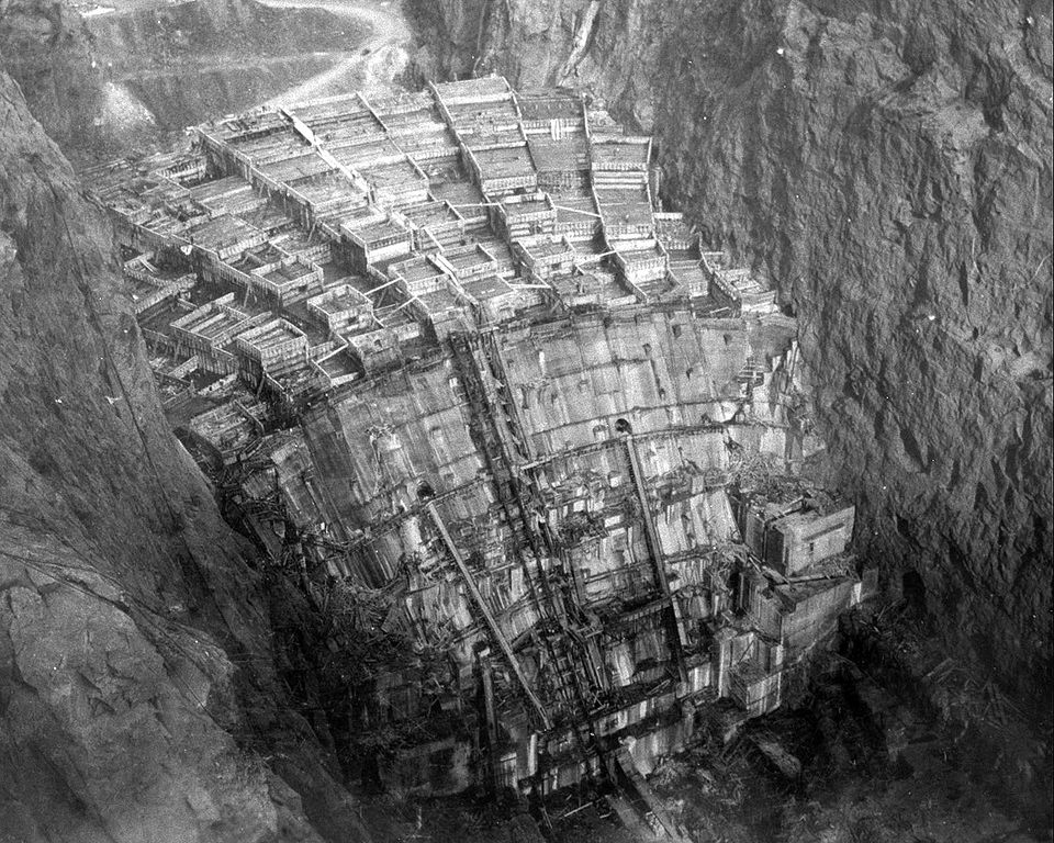 Hoover Dam construction - concrete blocks