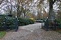 De Biezen, hek open, Santpoort-Noord.jpg