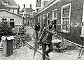 De renovatie van het hofje van Staats. Aangekocht in 1989 van United Photos de Boer bv. - Negatiefnummer 30490 k 18. - Gepubliceerd in het Haarlems Dagblad van 20.04.1989, NL-HlmNHA 54010752.JPG
