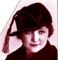 Demi saison hat with tassle 1917.png