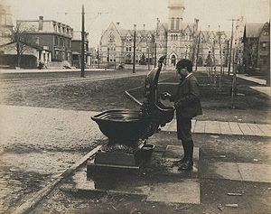 Drinking fountain - Combined drinking fountain for people, horses and dogs, Toronto, Canada, 1899