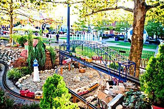 Easton Town Center - Easton Express Model Train