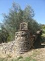 Edicola alla Madonna sotto il castello di Montecchio - panoramio.jpg