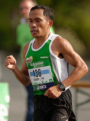 Eduardo Buenavista - Buenavista at the 2014 Paris Marathon