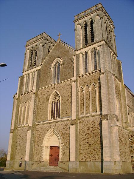 Portail de l'église Saint-Denis de Candé, 49, France