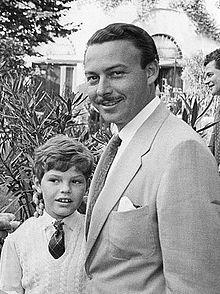 Эгон фон Фюрстенберг с принцем Альфонсо 1955.jpg