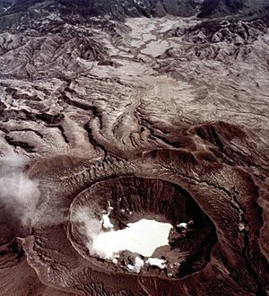 El Chichón - Aerial view on 1982-11-04, seven months after the eruption