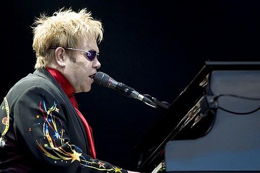 Elton John performing, 2008 3