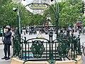 Entrée Station Métro Ménilmontant Paris 7.jpg