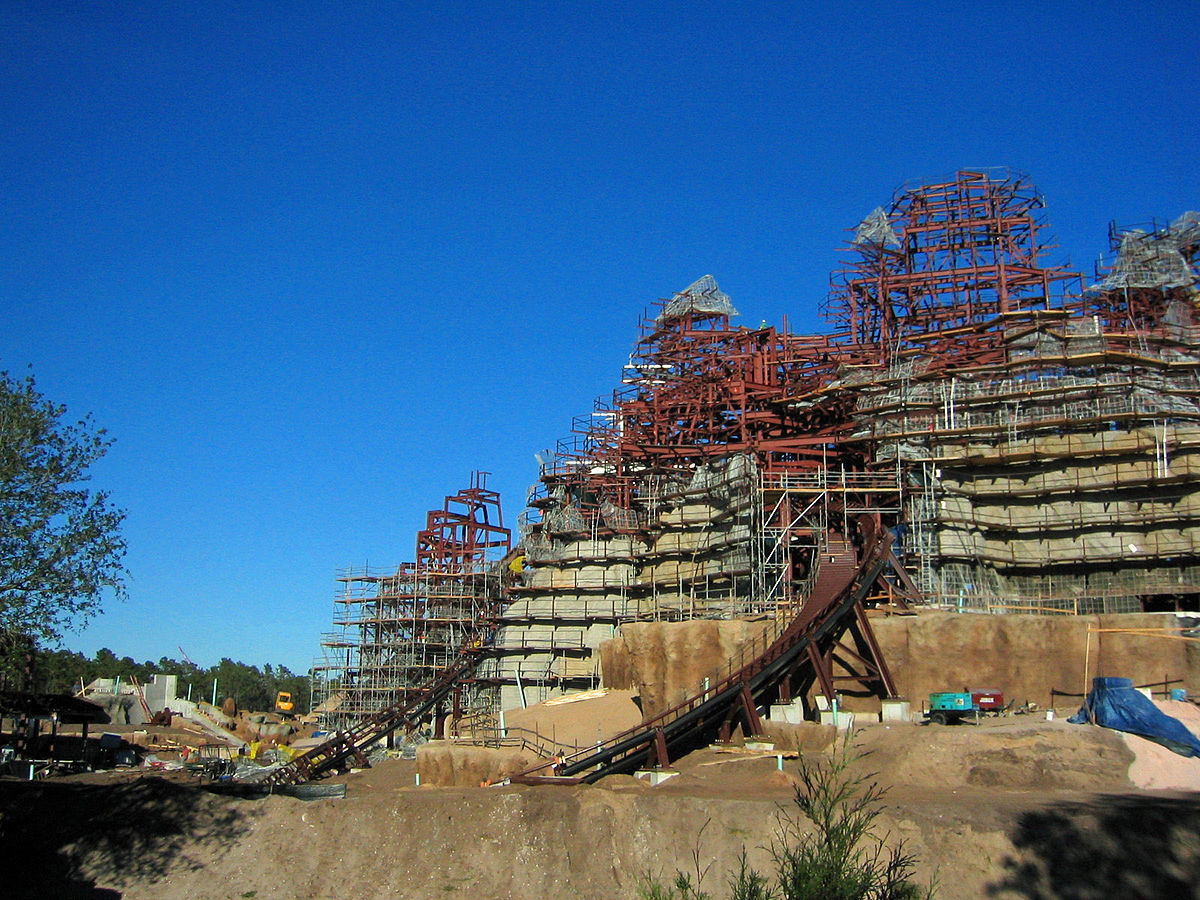 Expedition Everest construction.jpg