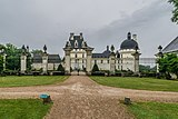 Exterior of the Castle of Valencay 02.jpg