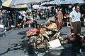 Fény utcai piac, virágárusok a Retek utcai oldalon. Fortepan 70158.jpg