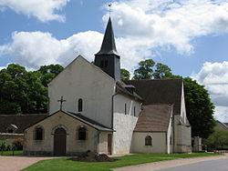 F-18500-Allouis-église.jpg