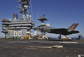 F-35C landing on USS Nimitz (CVN-68) in November 2014 (01).JPG