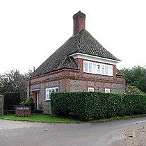 Farleigh School Gatehouse, Red Rice, near Andover. - geograph.org.uk - 91379.jpg