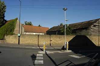 Harmondsworth - Farm buildings at the eastern end of Harmondsworth, July 2015.