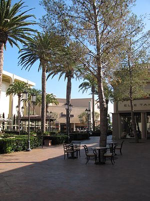 English: Fashion Island Newport Beach