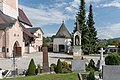Feldkirchen Friedhof mit Stadtpfarrkirche Karner und Bildstock Maria im Dorn 15092015 7403.jpg