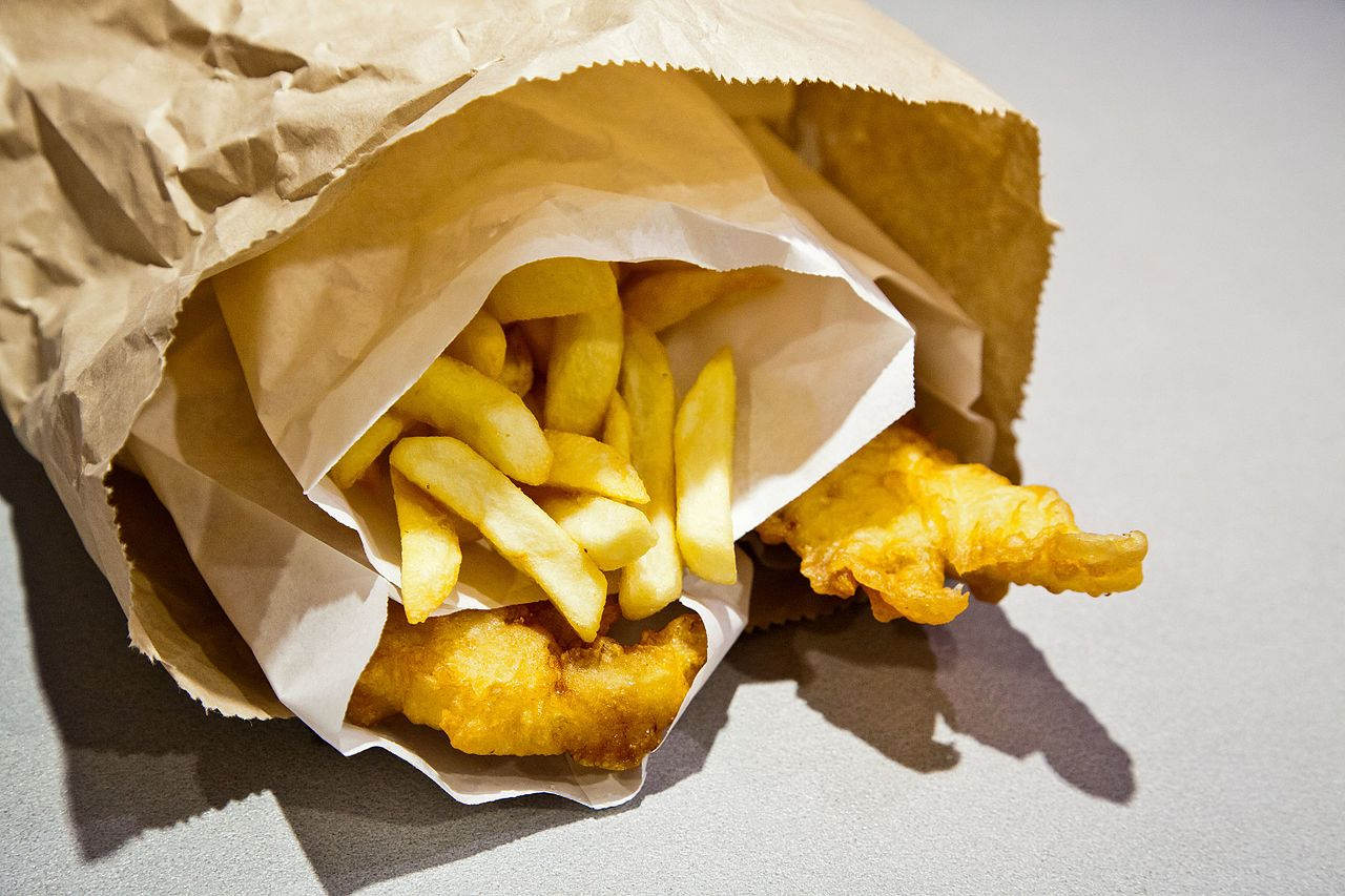 File fish and chips in a paper wikimedia commons for Fish in a bag