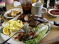 Flickr - cyclonebill - Bøf med røræg, salat, kartofler, toast, cola og kaffe.jpg