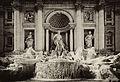 Fontana de Trevi monochrome.jpg