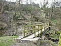 Footbridge and steps up to Hollingrove Farm - geograph.org.uk - 380217.jpg