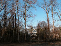 Houses along Fort Hunt Rd., seen from Fort Hunt Park