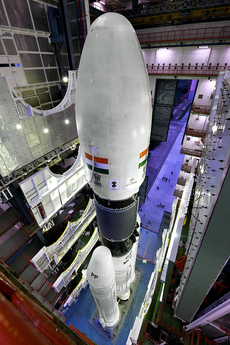 GSLV Mk III M1, Chandrayaan-2 - Fully integrated GSLV Mk III M1 vehicle at the Vehicle Assembly Building.